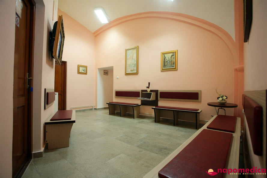 Centrul Medical Napomedica Gherla Cluj - Sala asteptare stomatologie