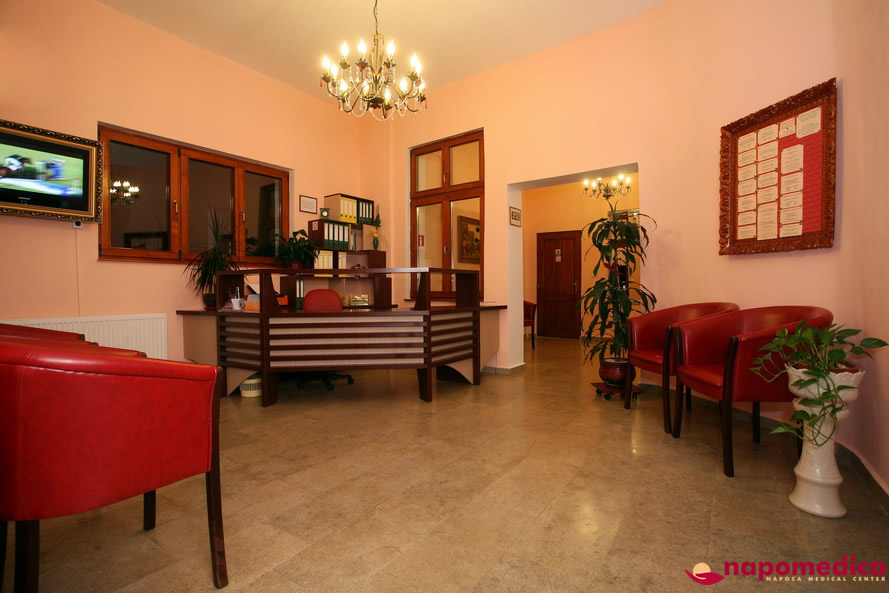 Centrul Medical Napomedica Gherla Cluj - Receptie etaj